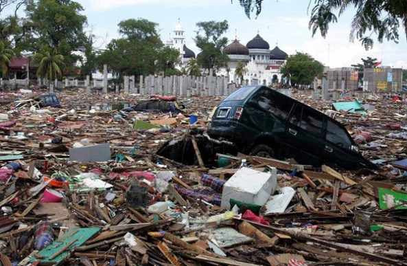 tsunami1_UYAH