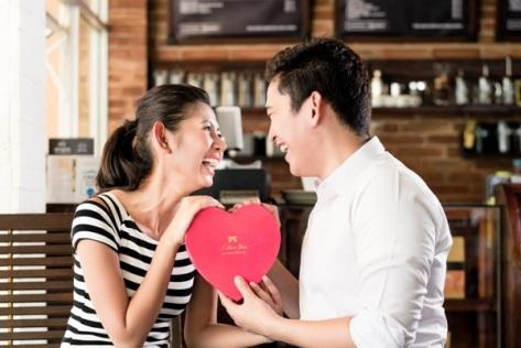 5-Tanda-Anda-dan-Pasangan-Menjalani-Hubungan-Asmara-yang-Bahagia-600