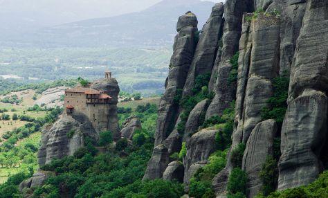 1024px-Meteora_Agios_Nikolaos_Anapafsas_IMG_7817-Monastery of St. Nicholas Anapausas