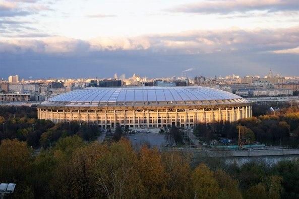 1024px-Stadion Luzhniki