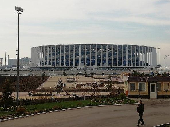 1280px-Nizhny_Novgorod_Stadium_2018-05-02_(2)
