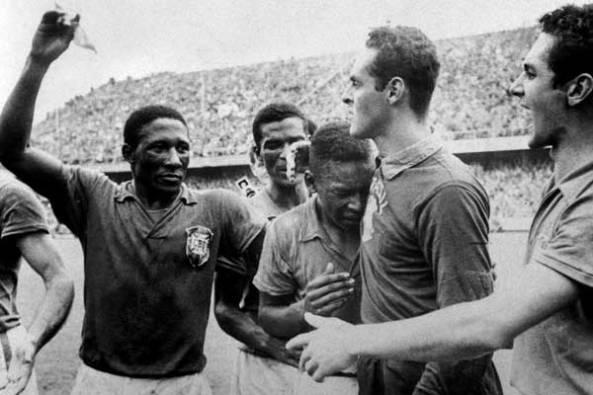 Djalma_Santos,_Pelé_and_Gilmar_1958