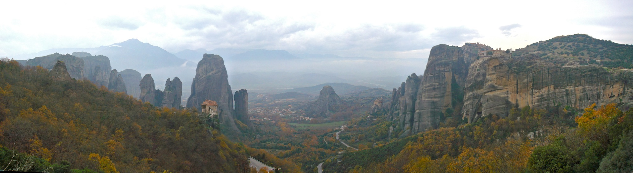 Meteora_valley,_Meteora,_Greece