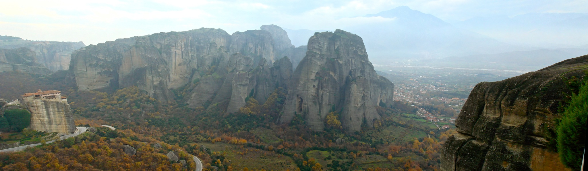 Roussanou,_Meteora,_Greece