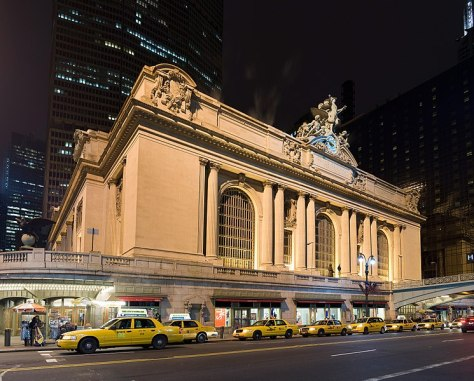 745px-Image-Grand_central_Station_Outside_Night_2