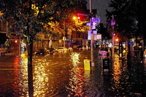 800px-Hurricane_Sandy_Flooding_Avenue_C_2012
