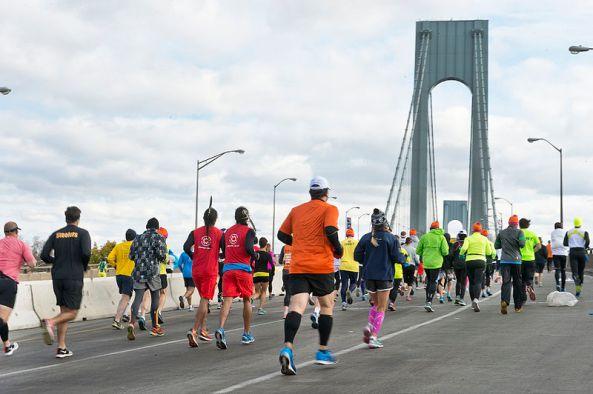 800px-New_York_City_Marathon_2014_(15082977714)
