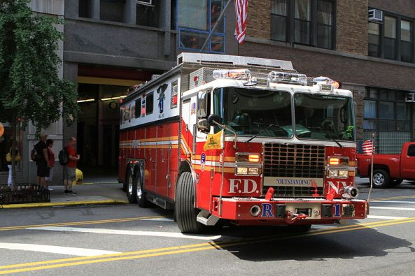 800px-Peter_Stehlik_-_FDNY_Rescue_1_-_2012.05.18
