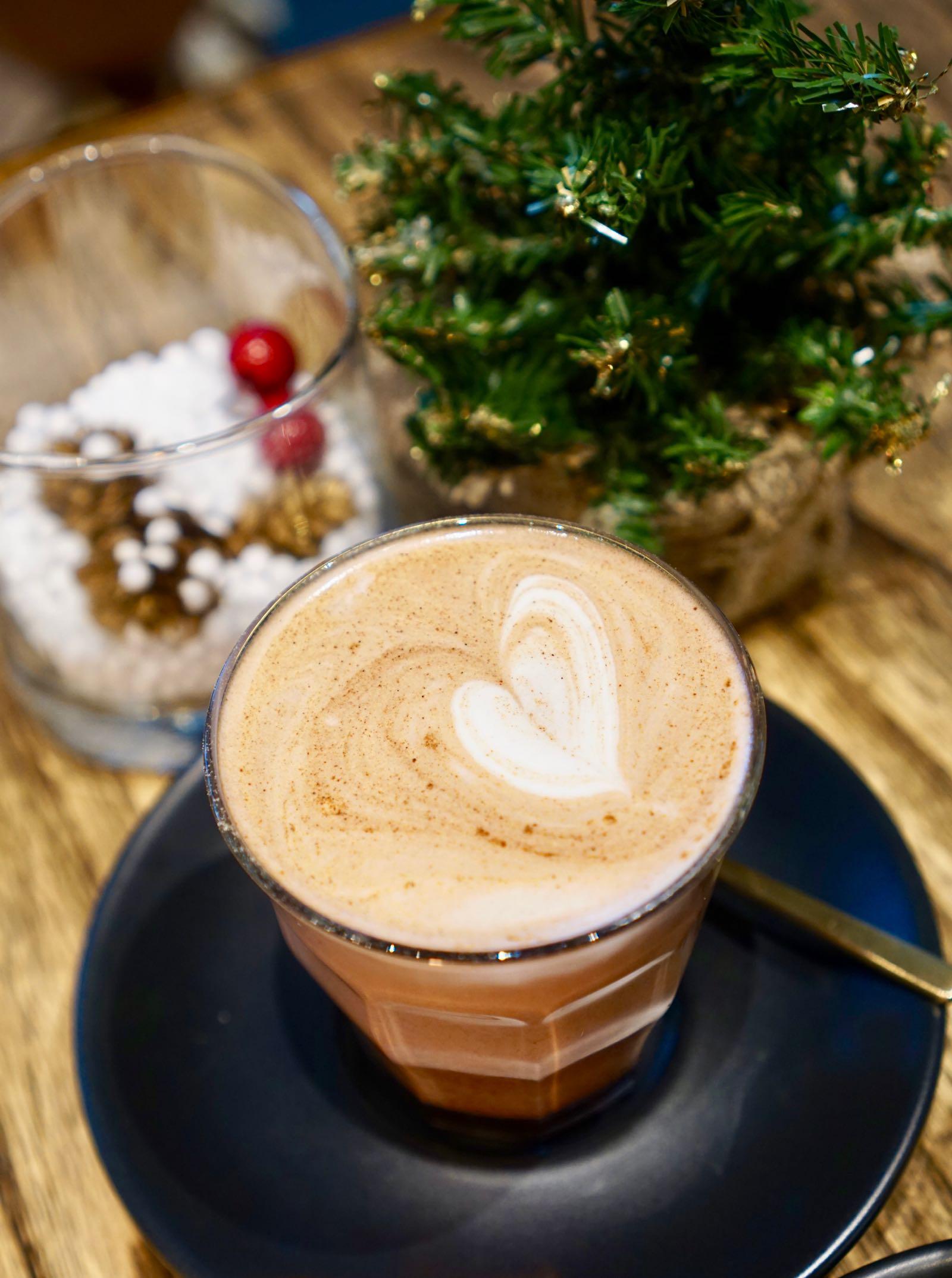 Coffee-Shop-Bandung-2018