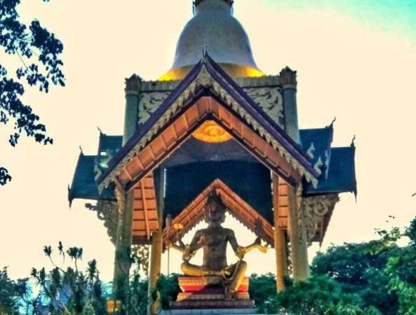 11. Tempat wisata patung Budha berwajah Empat