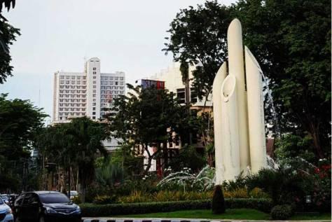 16. Monumen Bambu Runcing Surabaya