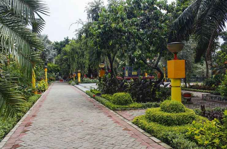 20. Taman Absari Surabaya